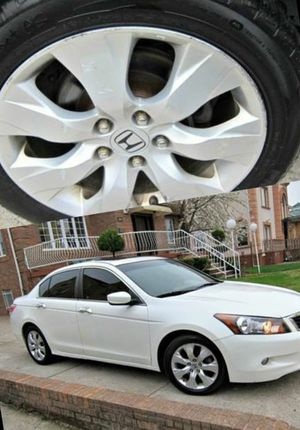 For Sale. 2010 Honda Accord XLE Great Shape. FWDWheels for Sale in Pittsburgh, PA