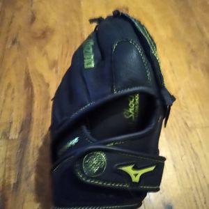 Mizuno Baseball Glove for Sale in Portland, OR