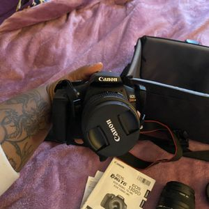 Canon - EOS Rebel T6 DSLR Two Lens Kit with EF-S 18-55mm IS II and EF 75-300mm III lens - Black for Sale in Westland, MI