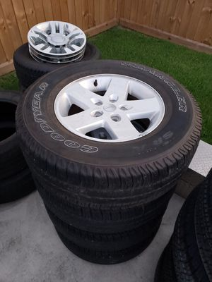 Jeep 17 inch wheels OEM for Sale in Houston, TX