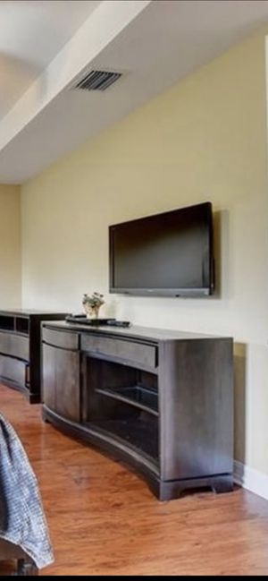 Large Entertainment console for Sale in Tamarac, FL