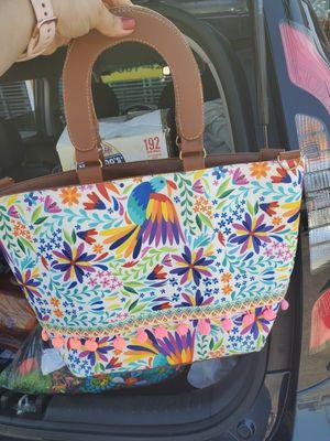 Nice hand bag/linda bolsa for Sale in San Diego, CA