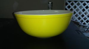 Vintage Pyrex Bowl for Sale in Ford, KY