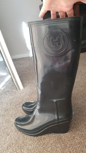 Hunter wedge knee high rain boots size 7 for Sale in Feasterville-Trevose, PA