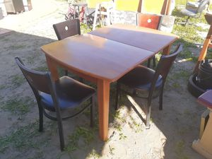Table for Sale in Fontana, CA