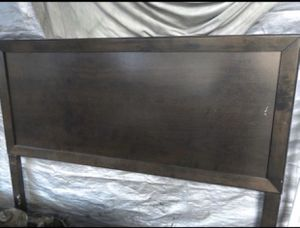 Queen size bed frame for Sale in Paramount, CA