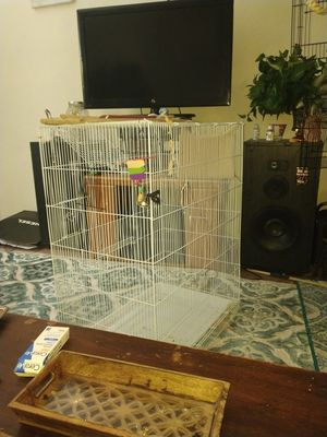 Huge bird cage with 8 perches and slide out tray for Sale in Las Vegas, NV