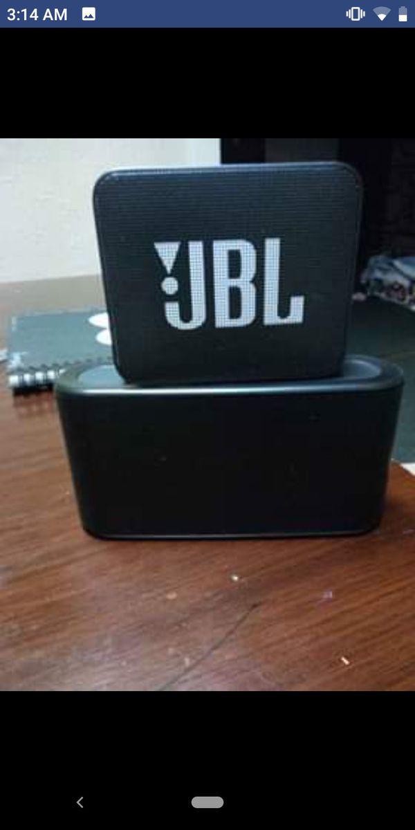 JBL and DNS Bluetooth speaker