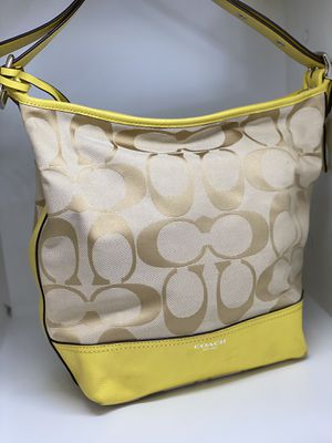 COACH YELLOW LEGACY SIGNATURE DUFFLE SHOULDER BAG for Sale in Orlando, FL