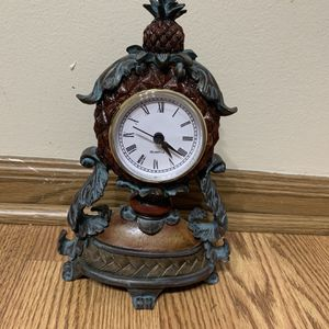 Vintage Pineapple Clock for Sale in Elkridge, MD