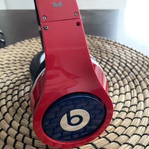 Beats Headphones . for Sale in Phoenix, AZ