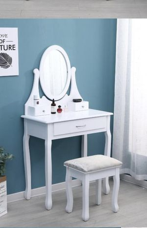 Makeup make up vanity table with mirror Luxury Contemporary design furniture with Chair for Sale in Miramar, FL
