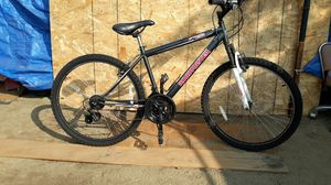 Roadmaster mountain bike 26 inch tires for Sale in Ontario, CA