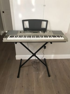 Yamaha YPG-235 Keyboard and Stand for Sale in Pembroke Pines, FL