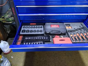 Tool box con toda y erramientas está full for Sale in Springfield, VA