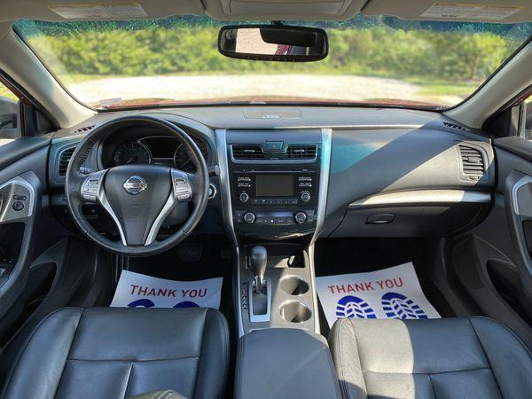 2015 Nissan Altima SL - 36k miles