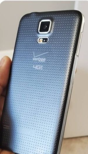 Samsung Galaxy S5. Factory Unlocked & Usable for Any SIM Any Carrier Any Country for Sale in Springfield, VA