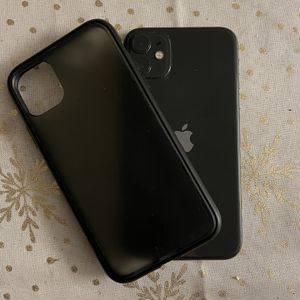 iPhone 11 Max for Sale in Yucca Valley, CA