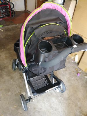 Stroller with car seat and base $75 for Sale in Sunnyvale, TX