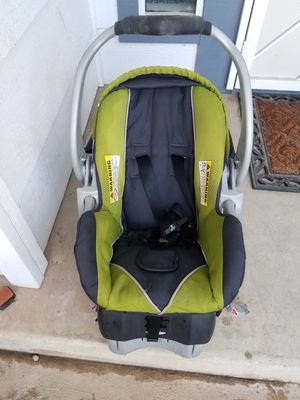 Car seat with Base! for Sale in Fresno, CA
