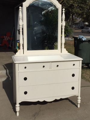 Long dresser come with four drawers in good condition. for Sale in Fresno, CA