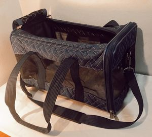 Original Deluxe Sherpa Pet Dog Cat Carrier Medium for Sale in San Diego, CA