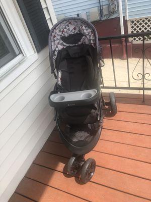 Baby trend stroller for Sale in Providence, RI