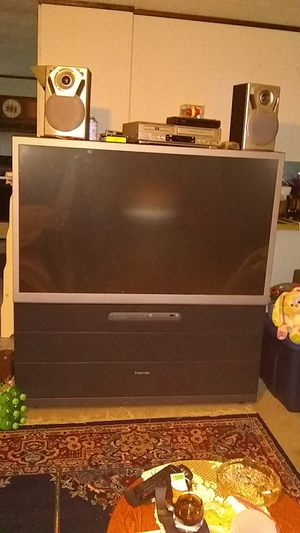 Toshiba projector tv---want it gone asap for Sale in Altoona, WI