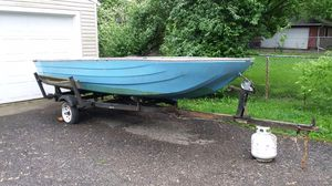 Boat for sale ( moving need it gone) 14 1/2 ft long by 5 ft wide make an offer for Sale in Reynoldsburg, OH