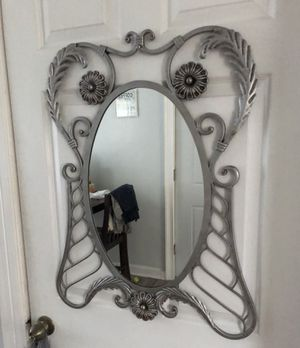 DECORATIVE METAL FRAME MIRROR for Sale in Cleveland, OH