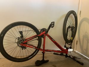 Trek marlin 5 mountain bike for Sale in Henderson, NV