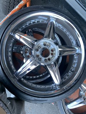 20 inch chrome rims for Sale in Brooklyn, NY