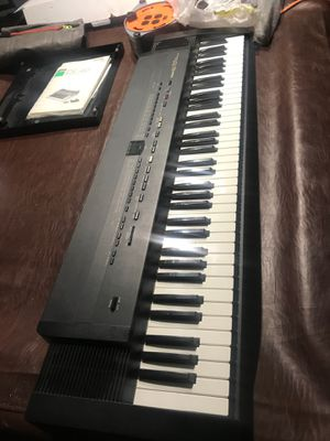 Roland ep 707 Digital Intelligent Piano Keyboard w Stand $250 for Sale in Las Vegas, NV