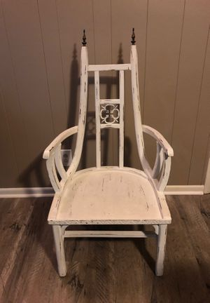 Antique chair for Sale in Beaumont, TX