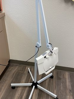 Magnifying lamp for Sale in Scottsdale,  AZ
