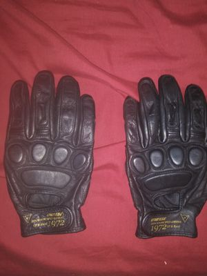 MOTORCYCLE DAINESE LEATHER GLOVE AND JACKET for Sale in Morgan Hill, CA