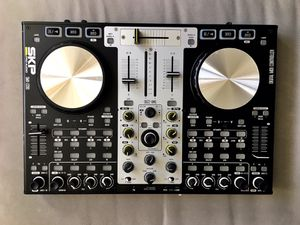controladora skp pro audio workstation dj smx 2200 for Sale in North Miami, FL
