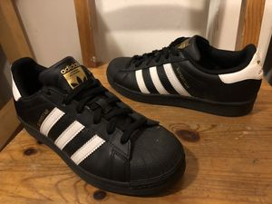 Adidas Superstar shoes like new size 4 1/2 for Sale in Culver City, CA