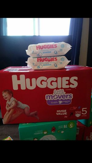 Huggies Little Movers Size 5!!READ THE ADDDDD💜👶💜 for Sale in Carson, CA