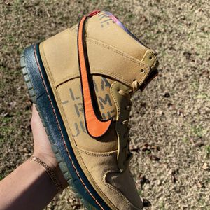 """Nike Dunk High """"All Star Galaxy Gold"""" for Sale in Knightdale, NC"""