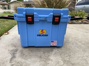 Pelican 35qt cooler for Sale in San Bernardino, CA