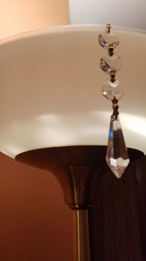 """Brilliantcut cristal drop prism 1.5"""" for the chandeliers with 3 peaces of cristal chain and bow ties. for Sale in Brooklyn, NY"""