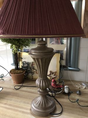 Beautiful Gold and Maroon Lamp for Sale in Lovingston, VA