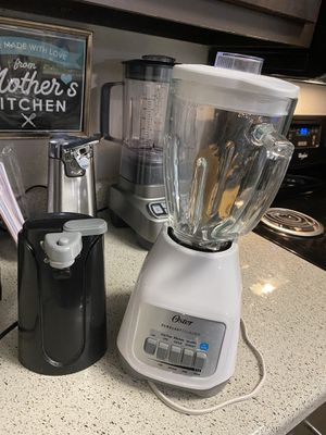 Blender and can opener for Sale in Spring, TX