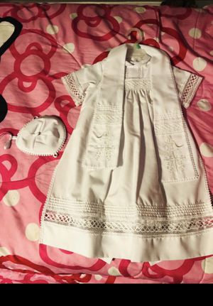 Ropon de bautizo y vestido/ baptism gown and dress for Sale in Columbus, OH