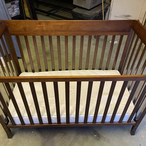 Nice Dark Wood Crib - Used Condition for Sale in Los Angeles, CA