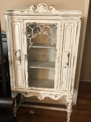 Antique china cabinet for Sale in West Hollywood, CA