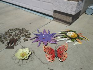 metal decorations in good condition for Sale in Phoenix, AZ