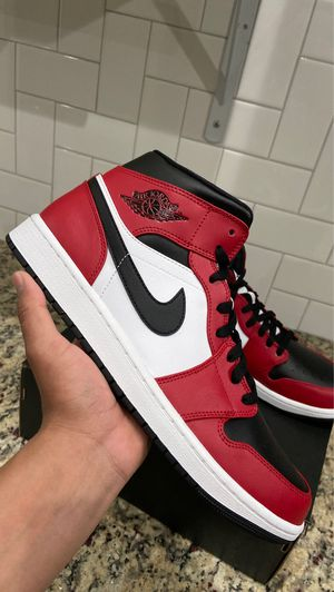 """Jordan 1 Mid CHICAGO BLACK TOE """" size 11"""" (NEW) $145 for Sale in Garland, TX"""