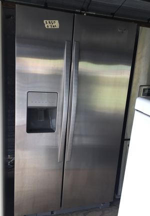 Whirlpool refrigerator for Sale in Lake Wales, FL